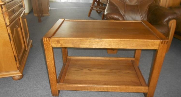 Barek-stolik na kółkach
