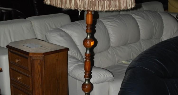 Lampa podłogowa stojąca