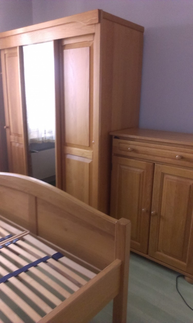 Sypialnia komplet+ szafa z lustrem